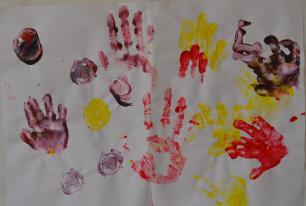 gubbu mamma handprints first time